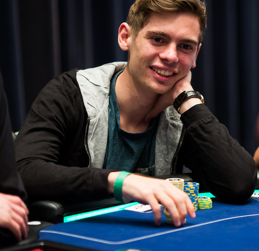Fedor Holz playing poker